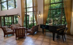 """מלון בצפון: אחוזת אסיינדה ביער – גבוה מעל כולם. ועכשיו – מבצע סופ""""ש רומנטי עם אורלי וגיא *"""
