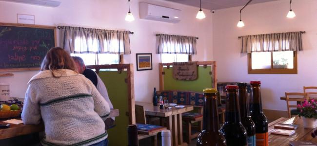 קפה אורסולה – לאכול טוב (וזול) על כביש הערבה