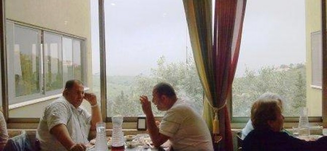 """מסעדת """"הבית"""" בעין חוד – אוכל ערבי מקורי, הרים ונוף"""