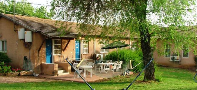 אירוח כפרי בכפר גליקסון – האם באמת כמו חופשה בטוסקנה?*