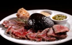 הטרקלין – מסעדת בשר ויין בנווה צדק – מתאימה לרגעים שרוצים לזכור