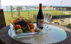 מלון חוף נחשולים – גם חדרי בוטיק, אוכל מפנק, הים התיכון במיטבו
