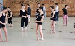קייטנת מחול מקצועית לרקדנים צעירים בקיבוץ געתון בגליל המערבי