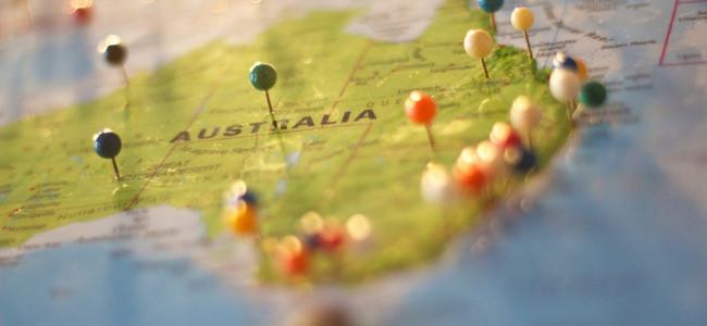 """טיול משפחתי באוסטרליה: """"משפחת כהן בארץ הקנגורו"""" והפעם: בקרוואן, בדרך לשומקום!"""