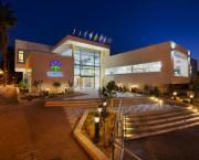 חופשה משפחתית במלון אירוס המדבר בירוחם: מסלולי טיולים, אטרקציות, מסעדות ופעילויות בנגב הצפוני