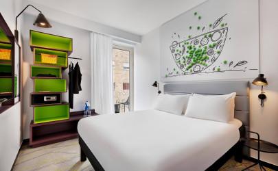 """ממבצע לישראלים בשני מלונות """"איביס"""" בירושלים ובמלון דייויד טאוור בנתניה שנפתחו השבוע."""