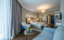"""מלון David Tower בנתניה מציע: """"יום האהבה"""" באווירה פריזאית מפנקת"""