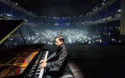 """הפסנתרן """"המהיר בעולם"""" פיטר בנס חוזר להופעה בישראל"""