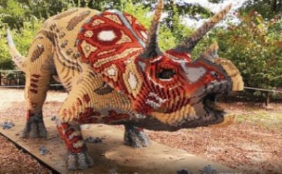 """אטרקציה באילת: """"ממלכת הדינוזאורים"""" במתחם הטרמינל הישן"""