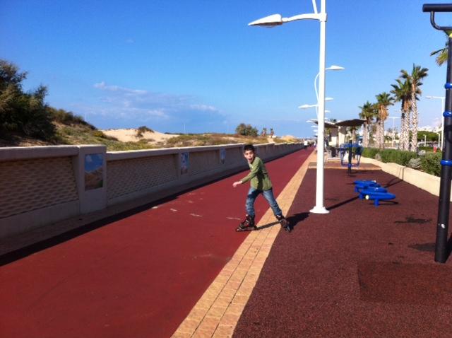 הטיילת באשדוד: קילומטרים של מסלולי רכיבה והליכה, מתקני ספורט והפתעות...