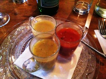 3 מרקים: עדשים, עגבניות וארטישוק ירושלמי , מוגשים בכוסיות אספרסו.