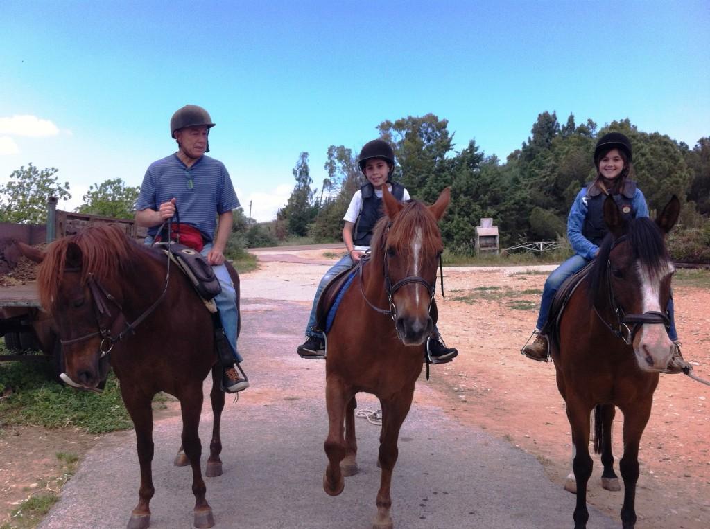 משפחה על סוסים - להרגיש את הטבע מקצת יותר גבוה