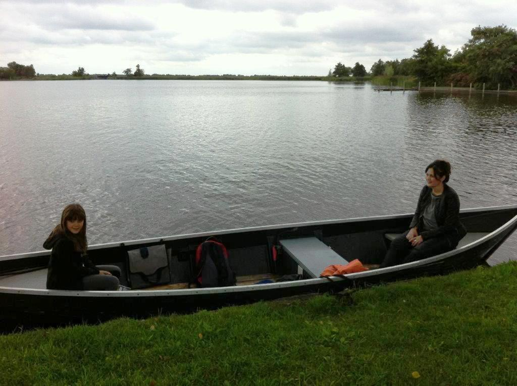 אפשר לשוט לאגם, לעצור ליד אי ולעשות פיקניק...