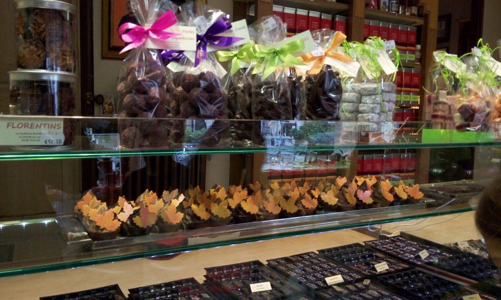 חנות ממתקים, מה יכול להיות מושלם יותר כשיורדים מהיאכטה אחרי יום של שיט.