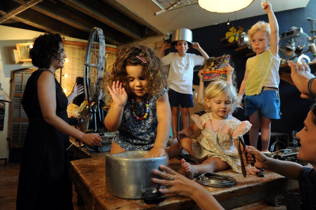 תמיד שמח לילדים במוזיאון דאדא בעין הוד.