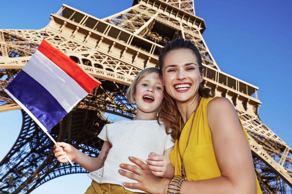 shutterstocKפסטיבל צרפת קניון עיר ימים -צילום - עותק